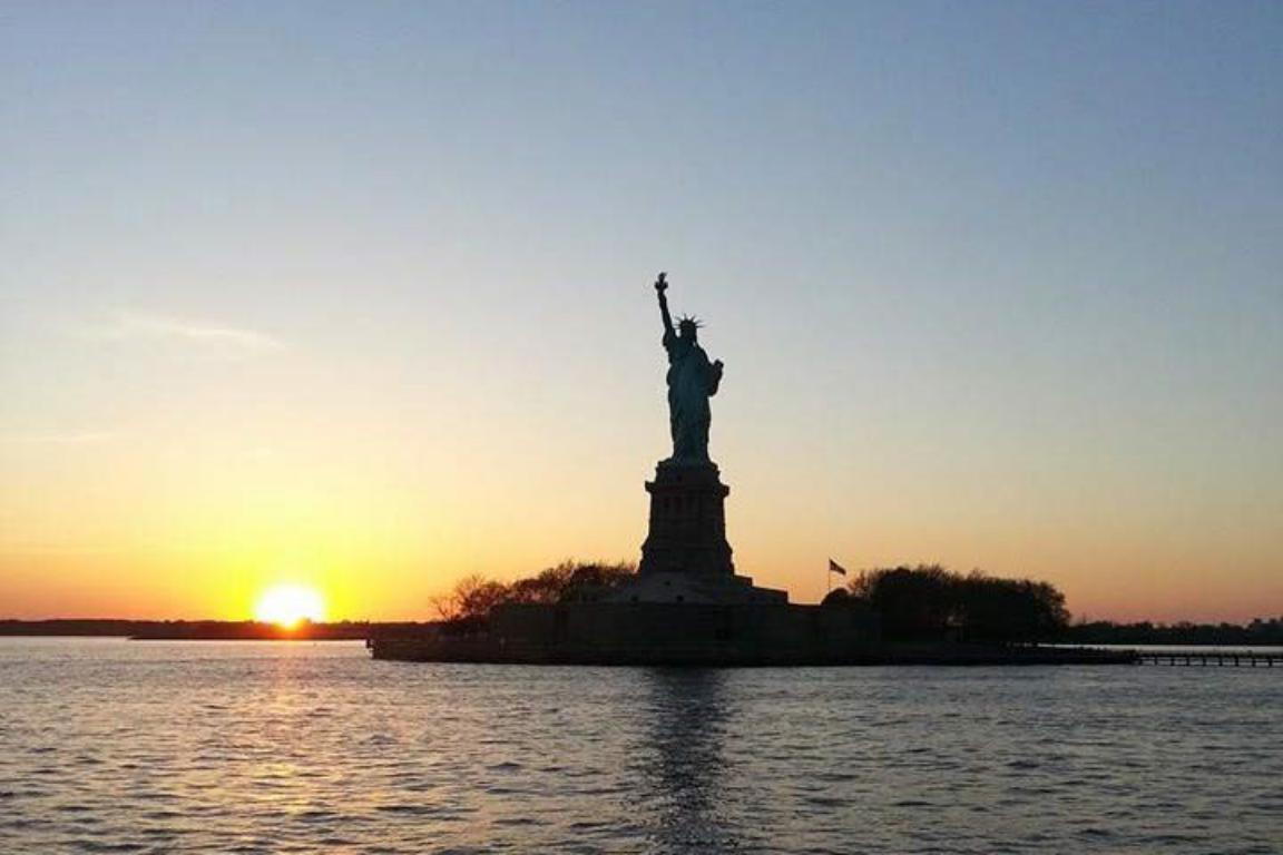 estatua de la libertad - cuandocuesta.info