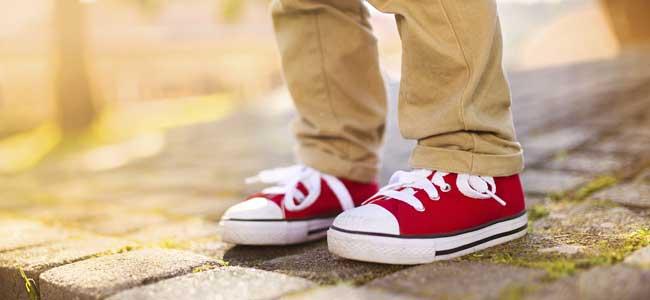 La importancia de cuidar la salud de los pies de tus hijos en cuantocuesta.info