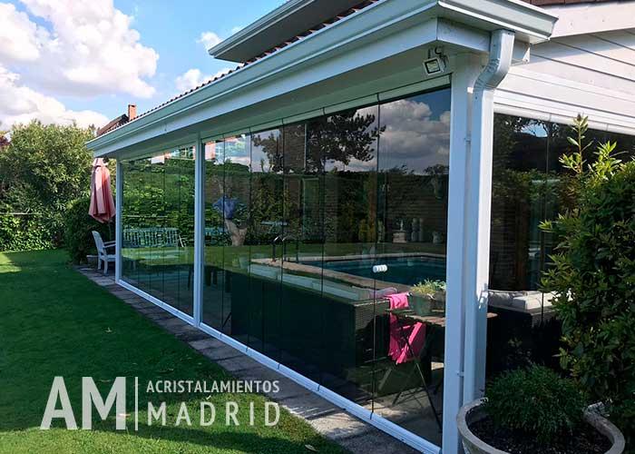 Cortinas de cristal en Madrid: la solución para aprovechar al máximo tu terraza o porche al mejor precio en cuantocuesta.info